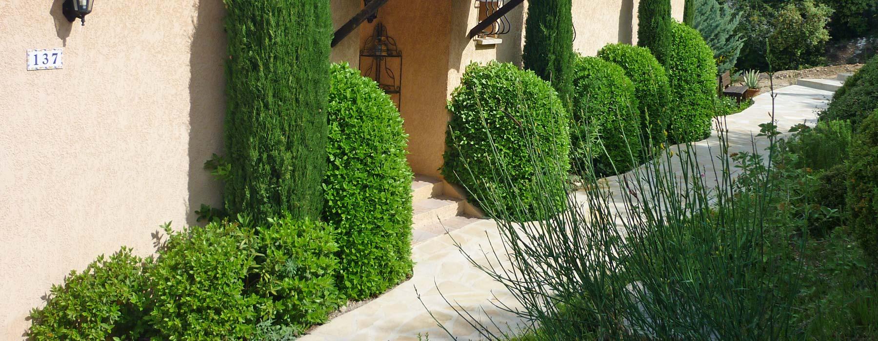 Bernard teste paysagiste en dr me et vaucluse cr ation for Entretien de jardins
