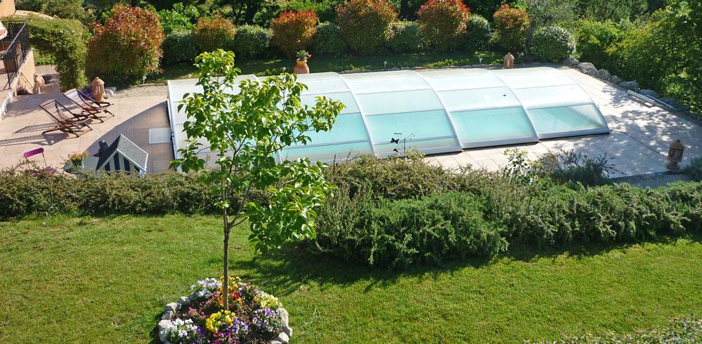 Cr ation et entretien de jardins buis les baronnies for Entretien jardin 22